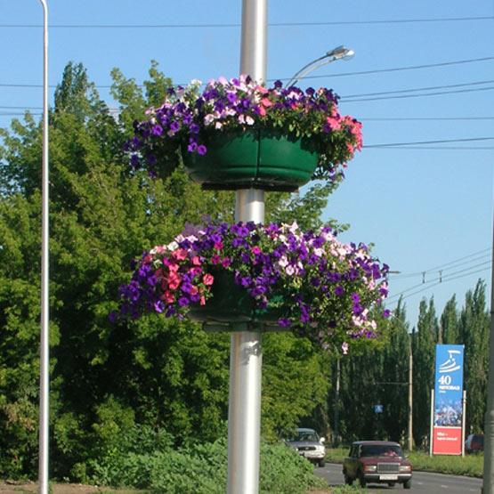 Конструкция на столб для 2-х цветочных вазонов 6/2 или 8/2